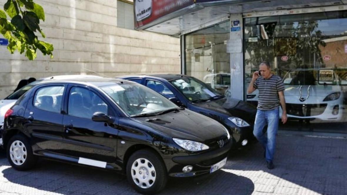 قیمت روز خودرو پنجشنبه 15 ، 12، 98 ، قیمت خودروهای داخلی و خارجی اندکی تغییر داشت