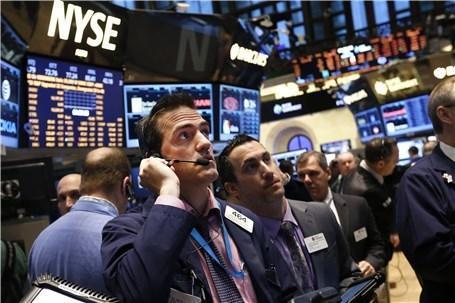 بدترین عملکرد 3 ماهه تاریخ دو بورس عظیم، سقوط قیمت بنزین در بازارهای جهانی